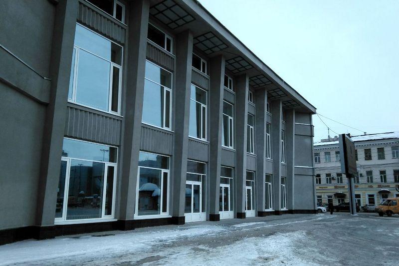 Фасад цирка. Фото Пресс-служба губернатора Саратовской области