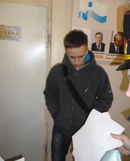 Коммунисты опубликовали видео задержания на саратовской УИК №96 юноши с пачкой бюллетеней за «ЕР»
