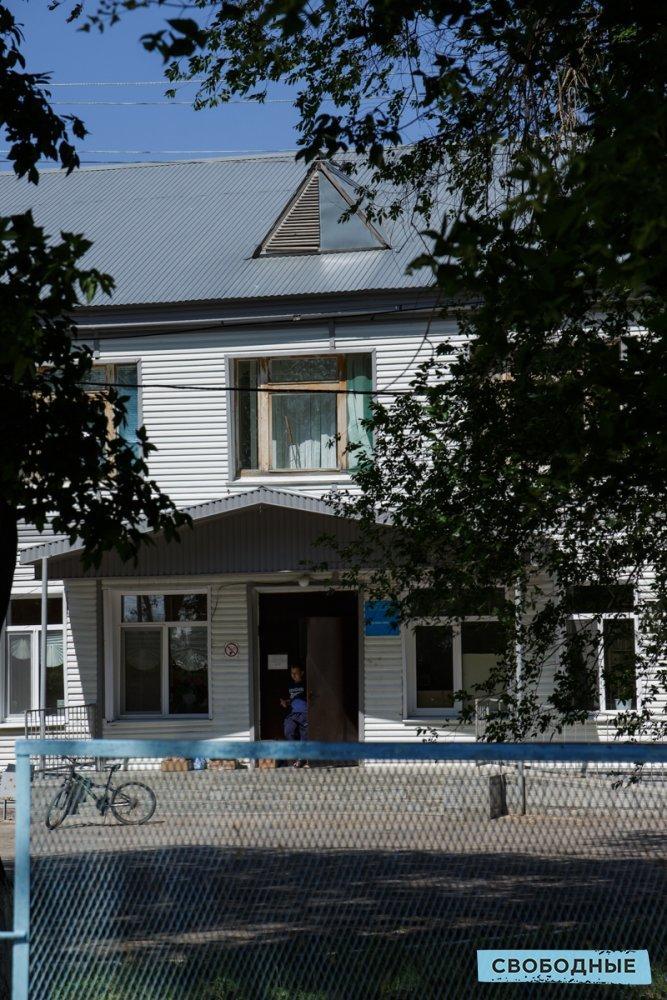 Здание больницы. Фото Матвей Фляжников