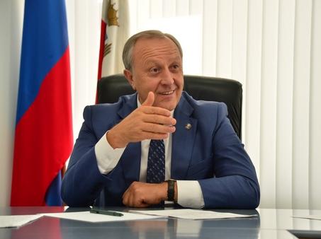 Валерий Радаев пригрозил отставкой новому главе администрации Заводского района