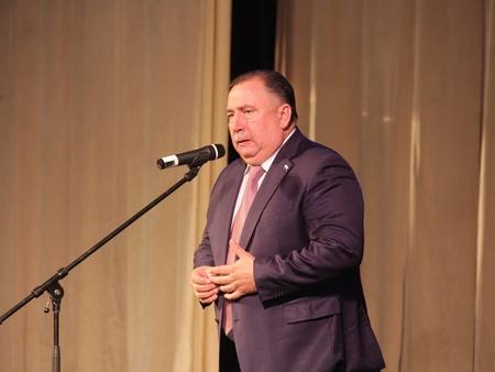Валерий Сараев похвалил «подвиг дорожников» и пообещал новые достижения в следующем году