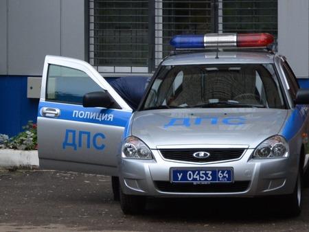ВСаратове шофёр Ваз-2113 сломал ноги влобовом столкновении с Опель