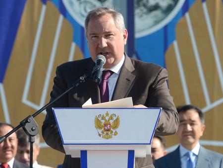 Рогозин поделил ослов натехнарей игуманитариев
