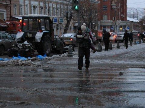 НаМосковской— пробка из-за коммунальной трагедии