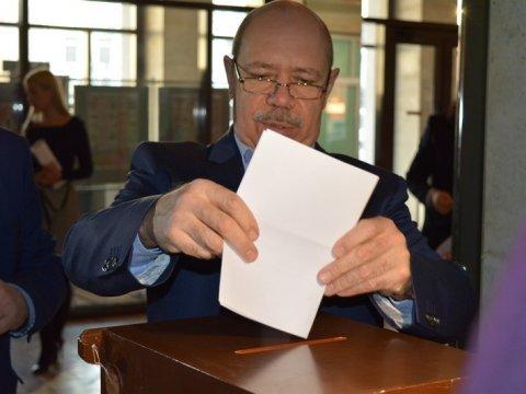 Избранникам предложено отнять Сергея Наумова поста спикера Саратовской городской думы