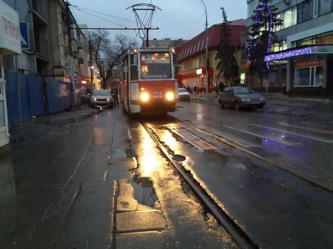 ВМирном переулке встали трамваи №3, 9, 10, 11