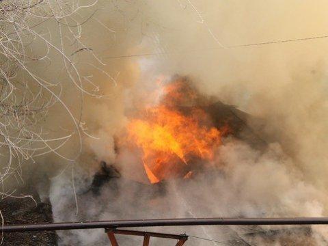 Пожар вквартире наулице Айской, умер мужчина