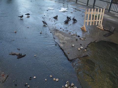 Напор холодной воды снизили жителям 2-х улиц вСаратове