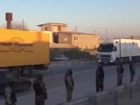 Полицейские заблокировали колонну дальнобойщиков вМанасе