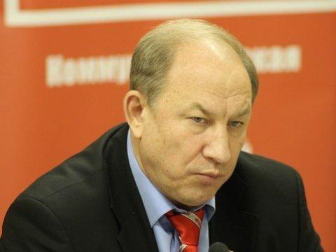 ФСБ просит перенести срок ответа позапросу Рашкина опроверке имущества Медведева