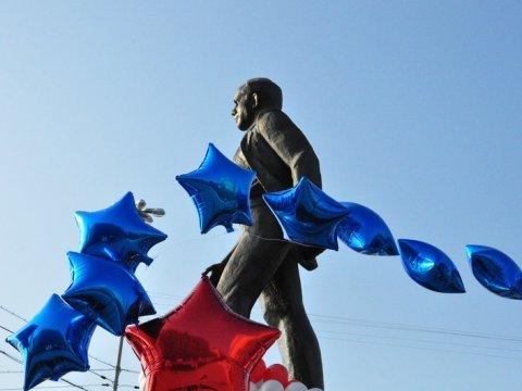Валерий Сараев оДне космонавтики: «Наша область по-особому отмечает этот день»