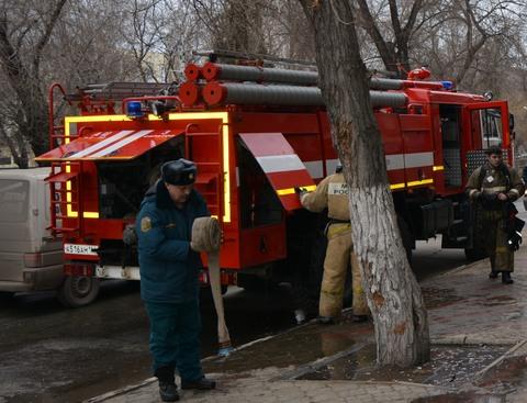 Ночью напожаре влетней кухне умер  мужчина