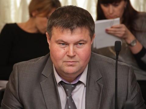 Саратовские чиновники собрались через суд принуждать предпринимателей  демонтировать вывески