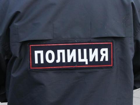 ВЭнгельсе полицейский цинично «выкачивал» деньги узаявительницы— СУСК