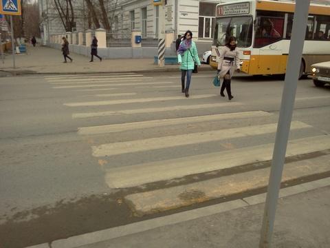 ВЗаводском районе люксовый вседорожный автомобиль сбил пенсионерку