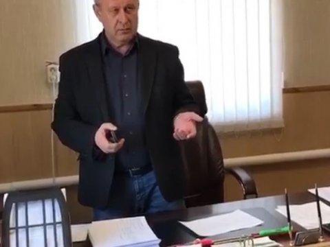 Босс МУПа вМарксе подозревается вхищении 4,6 млн