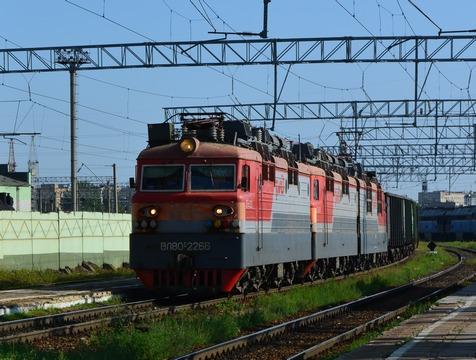 ВЭнгельсском районе неизвестный мужчина умер под поездом