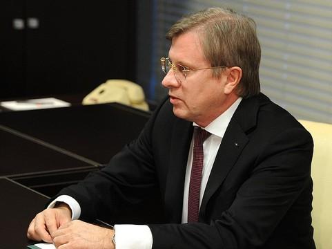 Медведев поучаствовал всборке крыла для нового лайнера МС-21