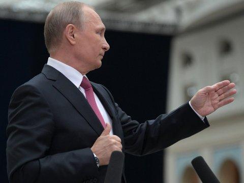 Путин пожелал выпускникам школ быть амбициозными