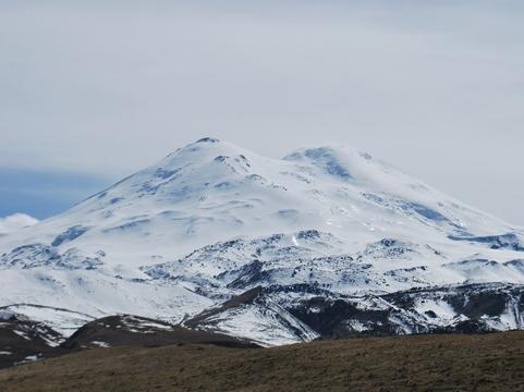 НаЭльбрусе снова сорвался альпинист