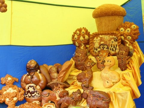 ВБалтае намедовом празднике будут бесплатно угощать мёдом