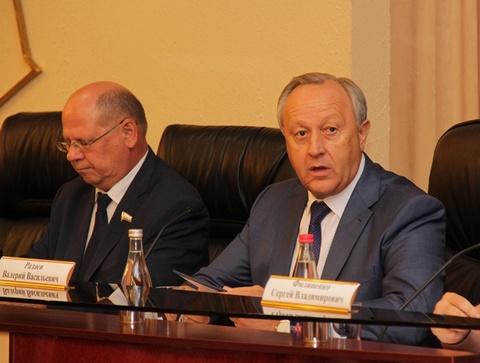 Радаев поручил сделать детсад вшколе села Самойловского района