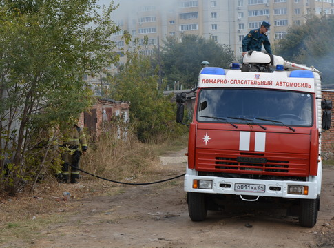 Шофёр тягача «Мерседес» умер вкабине вовремя пожара