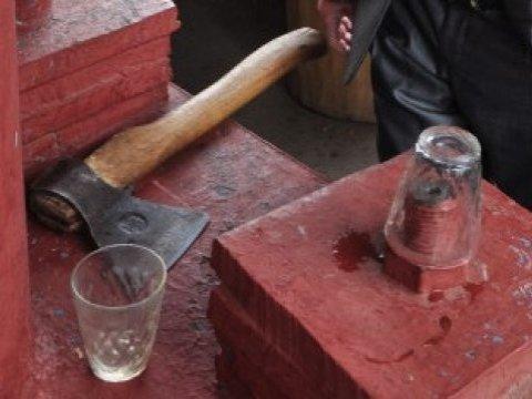 ВСаратовской области старый пьяница убил супругу тесаком