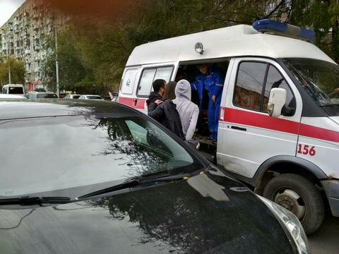 НаКутякова 15-летняя школьница выходила измаршрутки и угодила под колеса