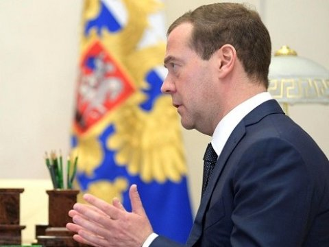 По результатам года настоящие заработной платы возрастут на3% — Медведев