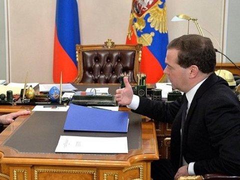 Медведев отказался подавать всуд наНавального