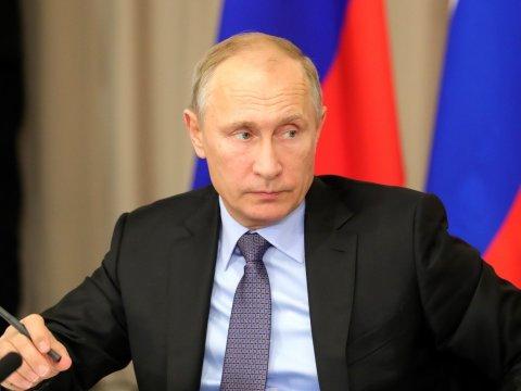 Путин поручил МИДу сделать рабочую группу для защиты граждан России зарубежом