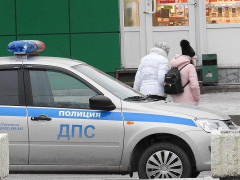 Не забавно: пьяная автоледи покусала вПугачеве инспектора ДПС