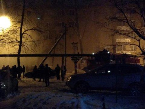 Изгорящего дома вЗаводском районе эвакуировали 57 человек