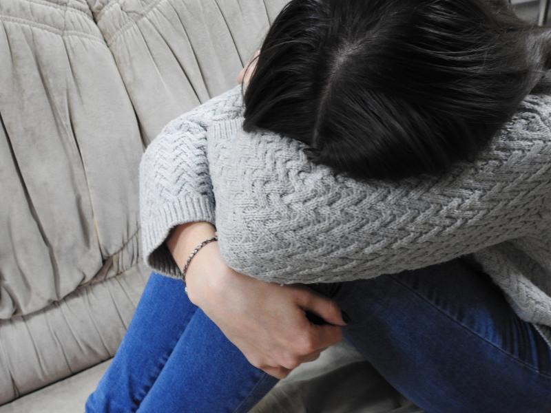 Саратовца обвиняют вдвойном сексуальном насилии к17-летней девушке