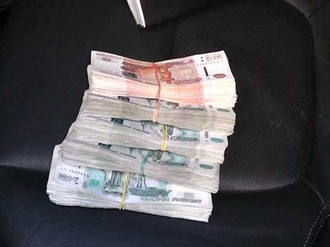 ВСаратове предприниматель попался намиллионной взятке сотруднику УФСБ