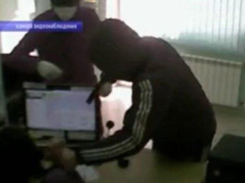 Вооруженное нападение на кабинет микрозаймов. Подозреваемых словили