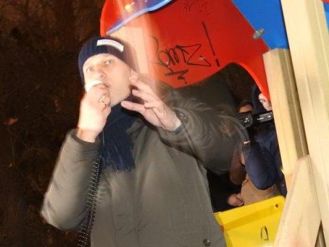 Навальный продемонстрировал зубы иего задержали