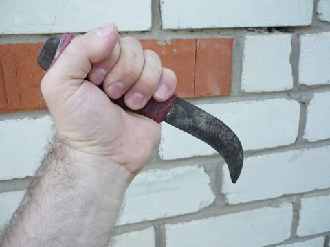 СК Убийца три раза ударил Настю Российскую ножом в шею