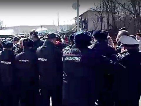 Акция протеста против мусорного полигона «Ядрово» переросла встолкновения сполицией