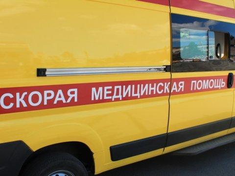 В Калининском районе из-за лопнувшего колеса погибла пассажирка УАЗа
