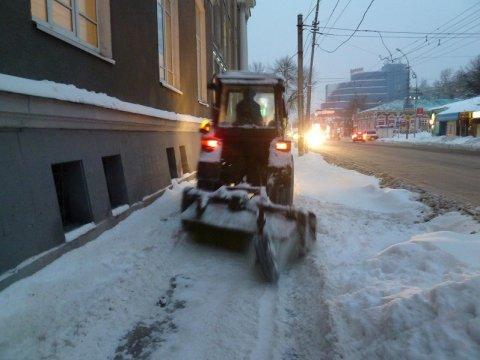 Из-за уборки снега наночь опять запретят парковаться наБольшой Казачьей