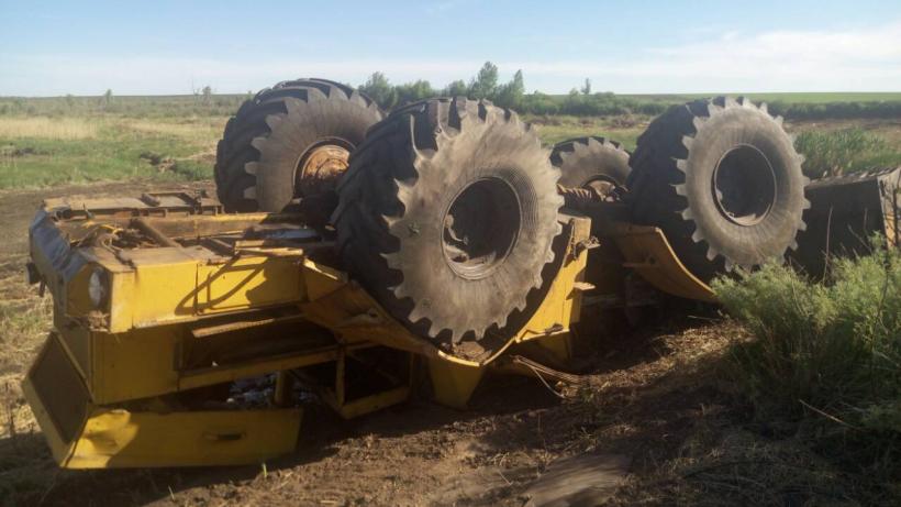 Калининского тракториста раздавило кабиной «Кировца» при строительстве плотины