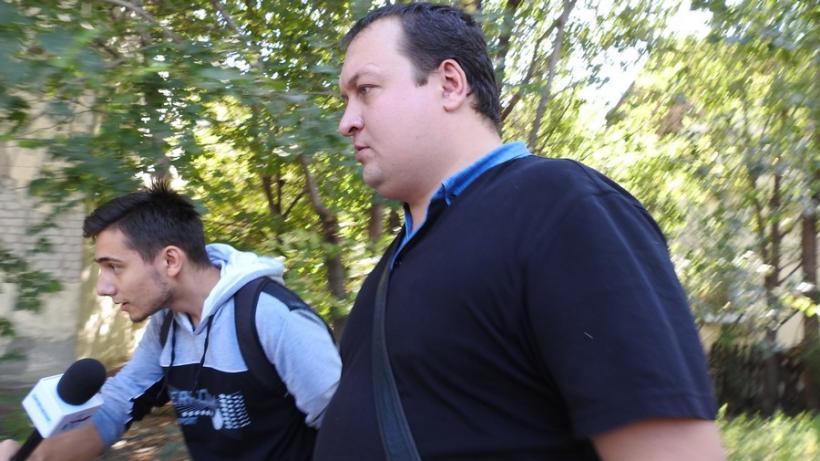 Александра Никишина увезли в саратовское управление СКР