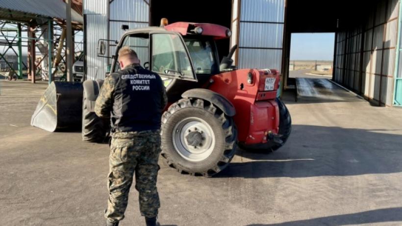 На территории саратовского предприятия тракторист на заднем ходу насмерть задавил охранника