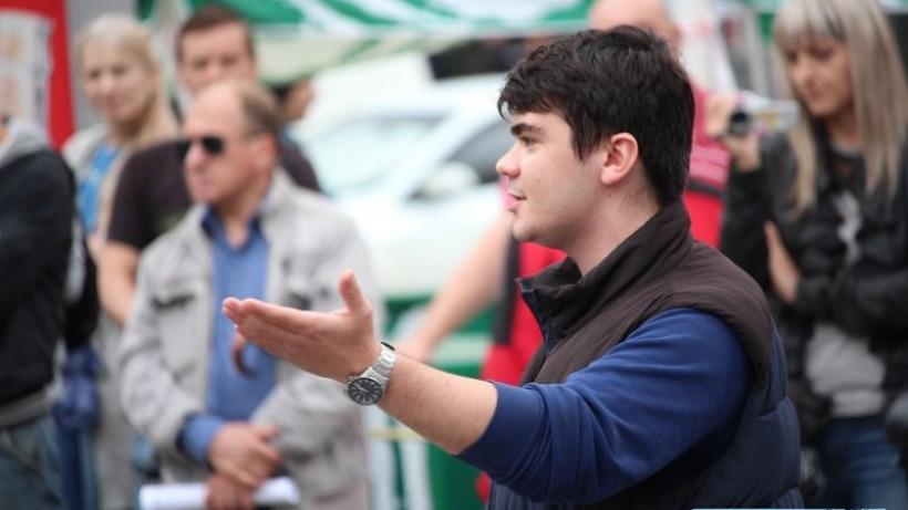 На акции протеста в Саратове скандируют «Володин вор!» и «Радаева в отставку!»