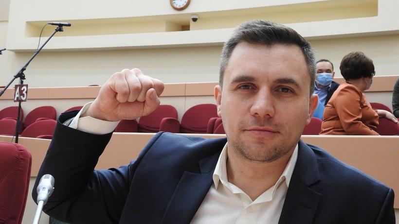 Бондаренко напомнил Путину о необходимости уходить на пенсию вовремя