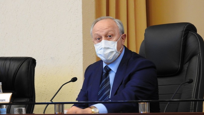 Саратовский губернатор потребовал не допускать принудительной вакцинации от коронавируса