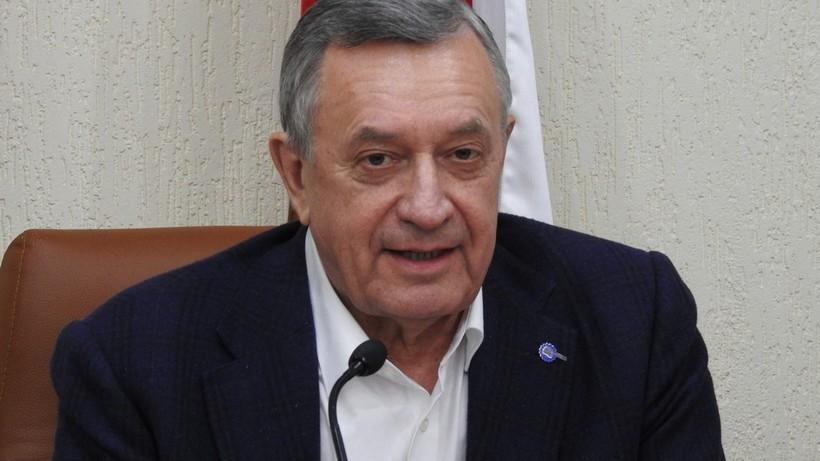 Саратовский депутат признался в получении «золотого парашюта» при увольнении