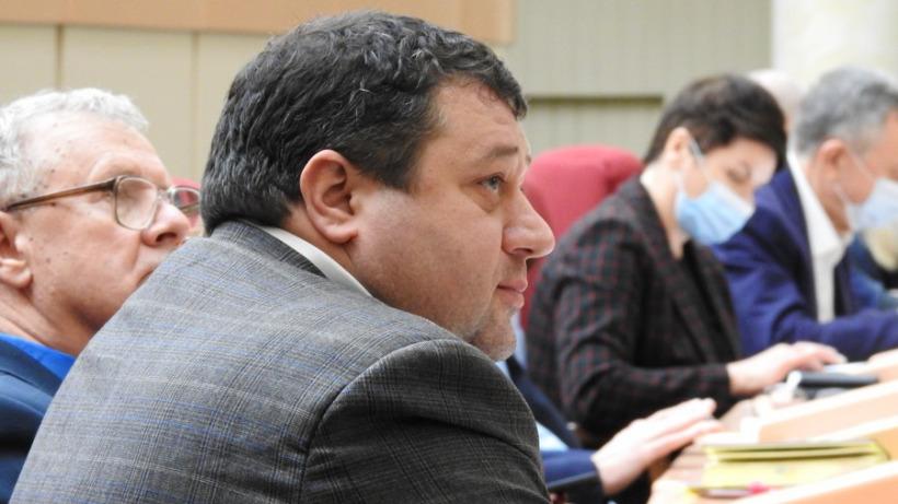 «Только смертная казнь и конфискация!» Депутат саратовской облдумы высказался о коррупции
